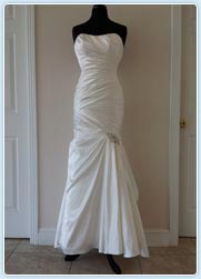 Women tailoring quick fix wedding dress alteration for Wedding dresses galleria houston